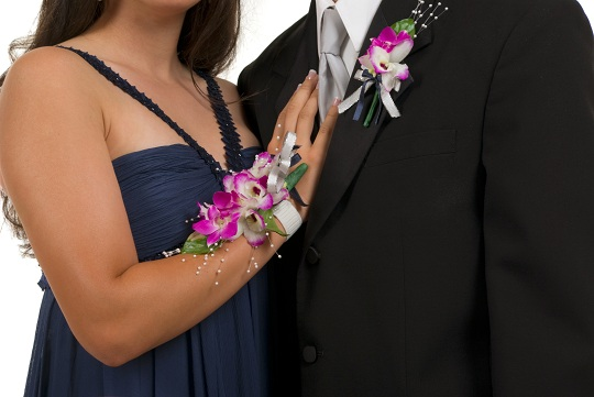 Who Buys the Corsage and Boutonniere for Prom?