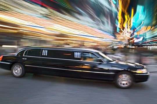 How Early Do I Need to Book a Limo Service?
