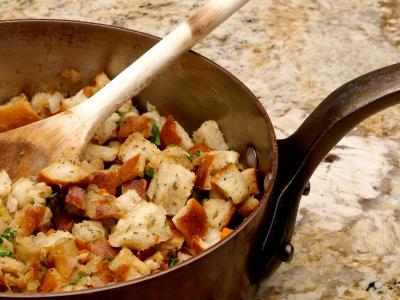 5 Simple Vegan Thanksgiving Stuffing Recipes
