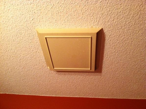 Repair bathroom exhaust fan electricians talklocal for Bathroom exhaust fan repair