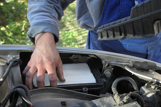 How to Replace a Car Air Filter