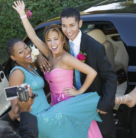 How Much to Rent a Limo for Prom? - Limo Rental