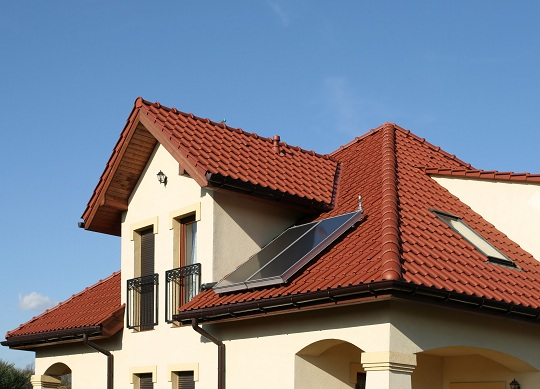 Different types of roofs for homes roofers talklocal for Different types of roofs