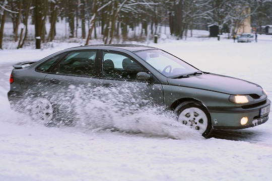 How to Improve Gas Mileage of Snow Tires
