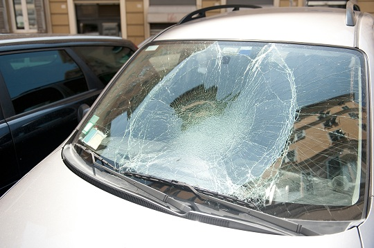 Red Flags to Watch Out for Before Fixing Your Auto Glass - Auto Glass Repair