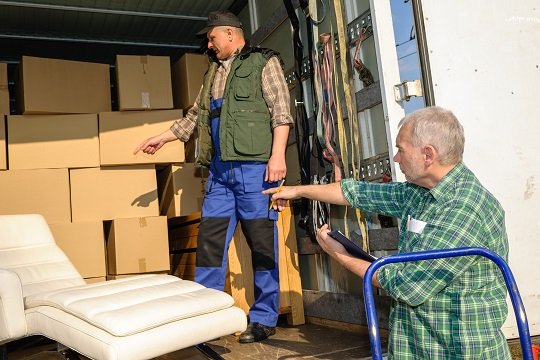 Pros and Cons of Professional Movers