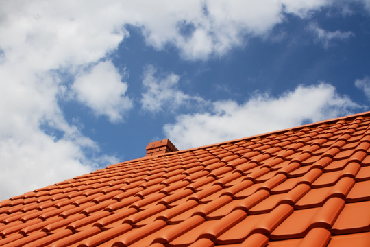 How To Stay Cool In The Summer Heat: Roofing
