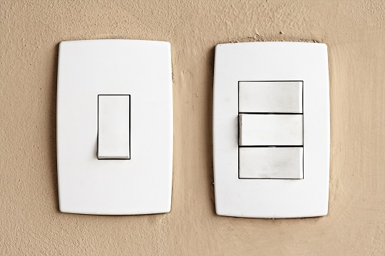 Wire 3 Way Light Switch - Electricians