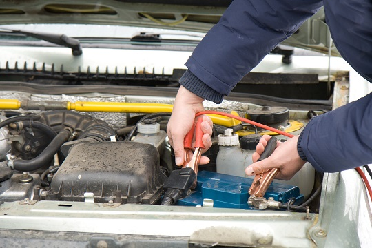 How To Jumpstart A Car With A Battery Charger - Towing