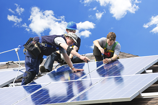 How to Install Solar Panels on the Roof - Roofers