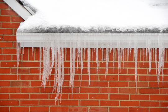 How to Prevent Gutters Freezing - Snow Removal