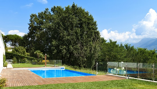 Five Basic Pool Cleaning Tips for Homeowners