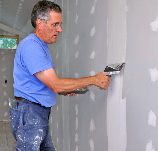Techniques to Spackle Drywall Seams