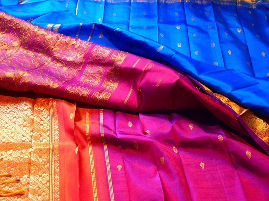 Silk Bed Sheets: 6 Myths Debunked - Tailors
