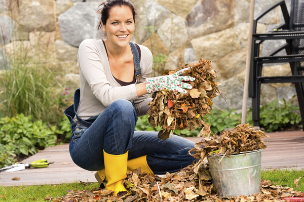 Fall Harvest Decoration: Recycling Fall Leaves