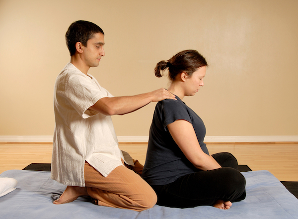 how to give a prenatal massage